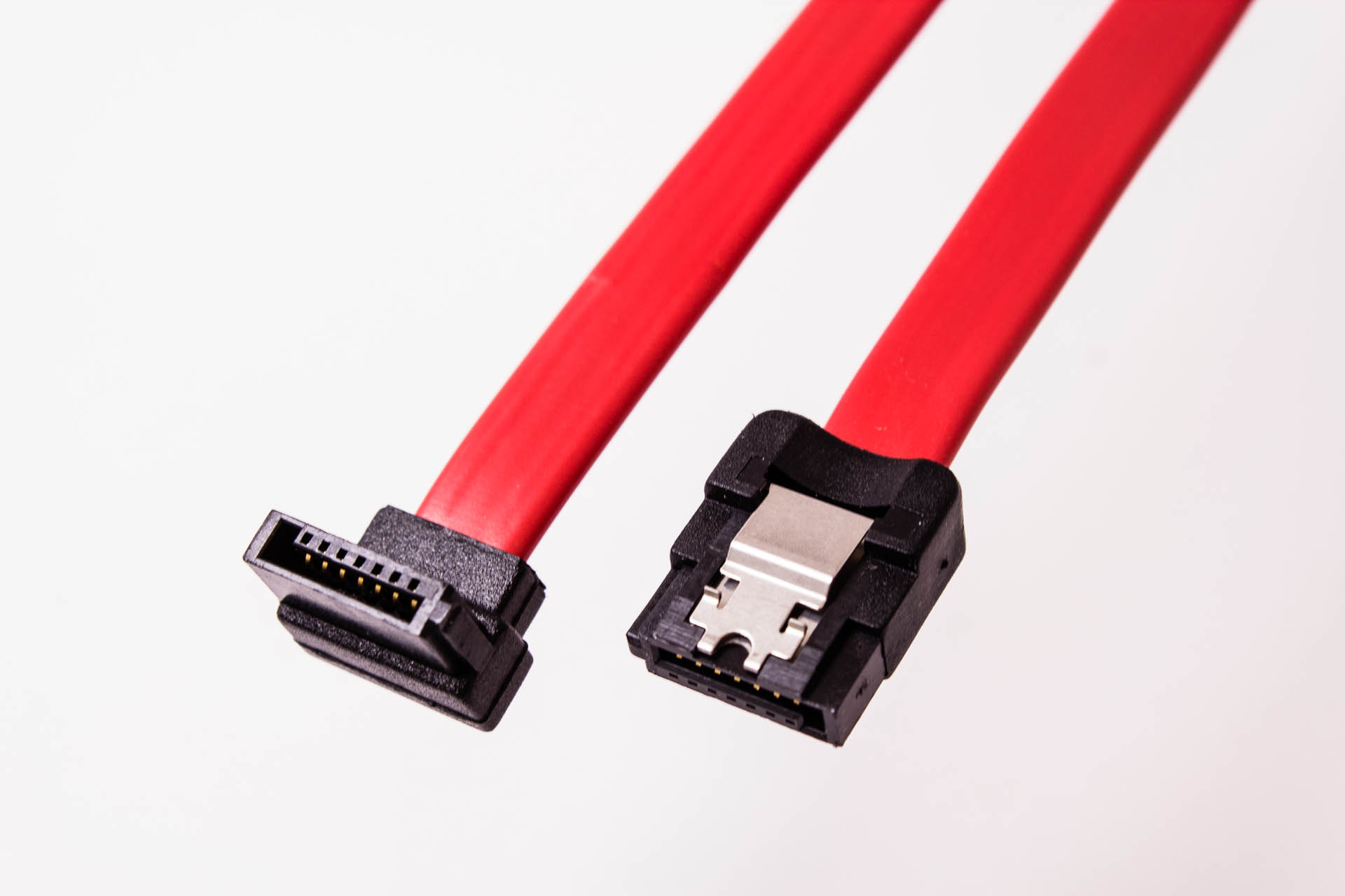 amphenol sata cable  straight with latch to left angle